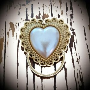 Scarf Clip gold-tone with Pearl like heart